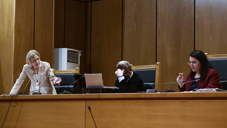 Δίκη Χρυσής Αυγής: Το μπρα ντε φερ προέδρου – εισαγγελέα στο προσκήνιο της σημερινής διαδικασίας