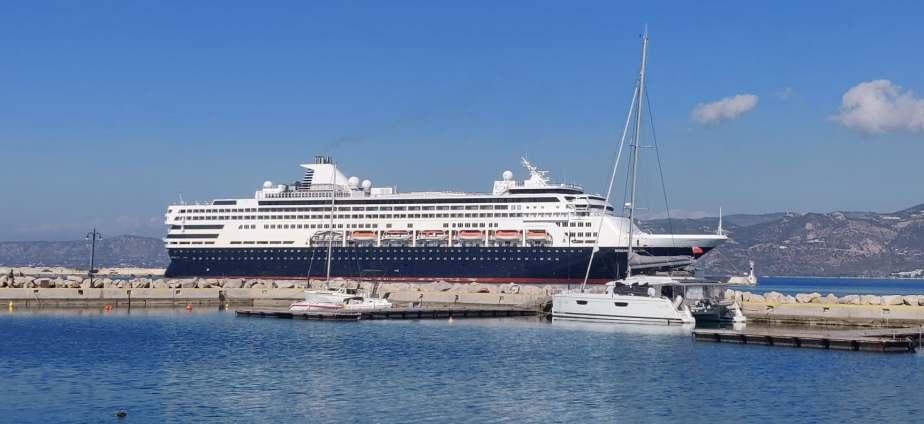 Ξανάδεσε το AEGEAN MAJESTY στο λιμάνι της Κορίνθου