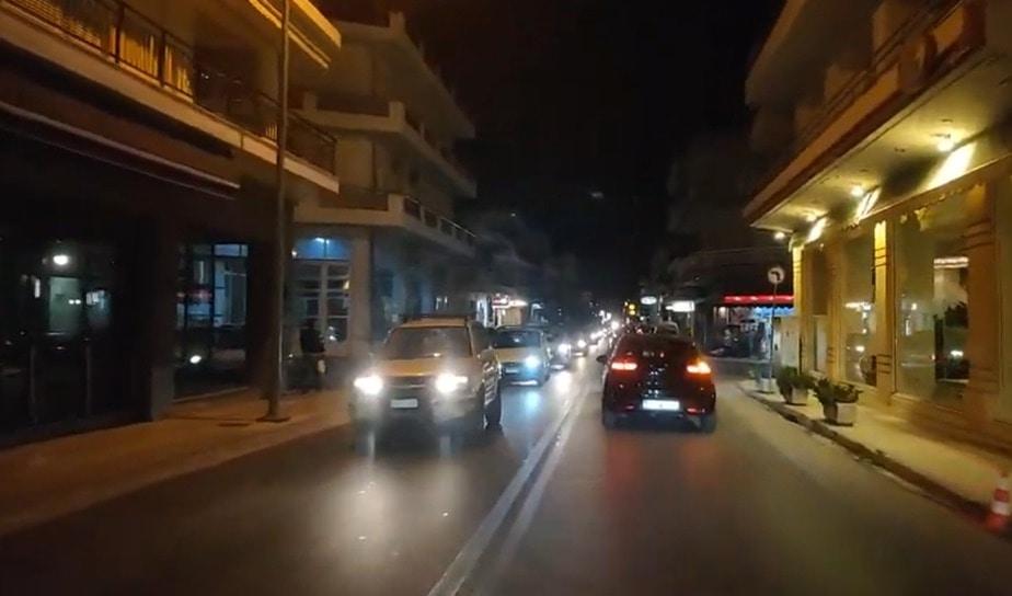 Απίστευτες οι ουρές αυτοκινήτων στην Κορινθο