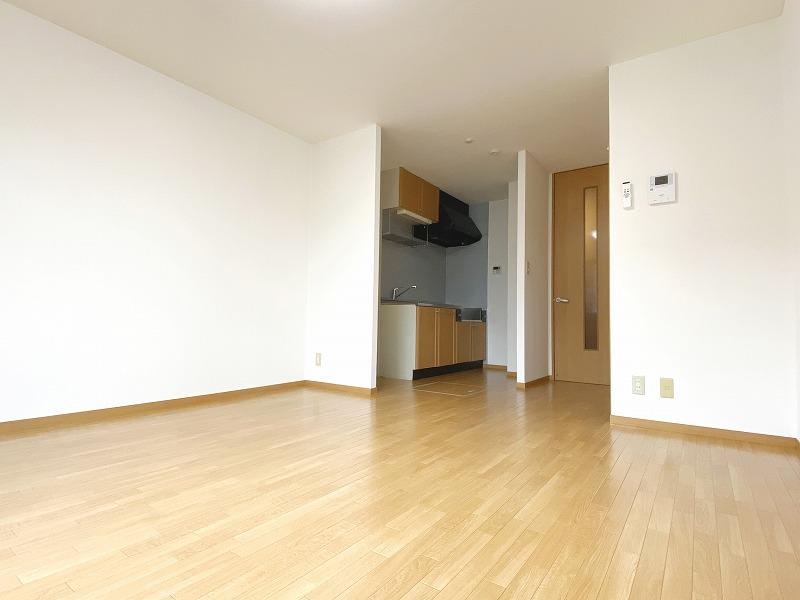 駅歩12分1LDK(57.2㎡)101号室の大字吉田アパートは360度対応♪