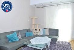 widok z innej perspektywy na salon w apartamencie w Szczecinie do sprzedazy