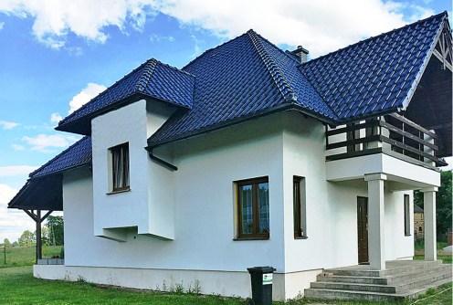 na zdjęciu widok od strony ogrodu na willę do sprzedaży w okolicy Gorzowa Wielkopolskiego
