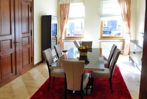 na zdjęciu salon w luksusowym apartamencie do sprzedaży w Szczecinie