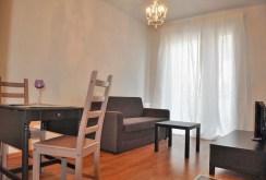 widok na salon w luksusowym apartamencie w Toruniu do sprzedaży