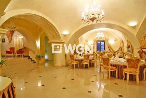 na zdjęciu jedno z luksusowych pomieszczeń w willi na sprzedaż w Cieszynie