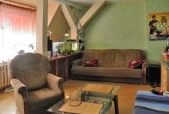 zdjęcie prezentuje salon w apartamencie do sprzedaży w Szczecinie