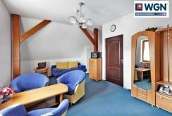 na zdjęciu zaprezentowano wnętrze jednego z luksusowo wyposażonych pomieszczeń
