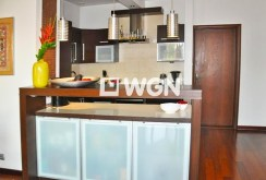 zdjęcie prezentuje komfortową kuchnię w apartamencie w Katowicach do sprzedaży