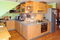 nowocześnie i komfortowo urządzona kuchnia w apartamencie w Szczawnie-Zdroju na sprzedaż