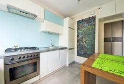 komfortowo i nowocześnie urządzona kuchnia w apartamencie w Szczecinie do sprzedaży