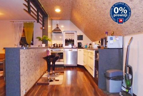zdjęcie prezentuje luksusowe wnętrze ekskluzywnego apartamentu do sprzedaży w okolicy Legnicy