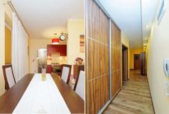 widok na jadalnię oraz przedpokój w apartamencie do wynajęcia w Tarnowie