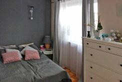 komfortowa i elegancka sypialnia w luksusowej willi w Warszawie do sprzedaży