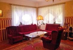 na zdjęciu ekskluzywny salon w luksusowej willi do sprzedaży w okolicy Torunia