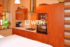 komfortowo i nowocześnie wykończona kuchnia w apartamencie na sprzedaż w Legnicy