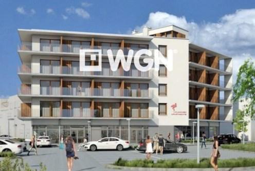 widok od frontu ana apartamentowiec w Międzyzdrojach, w którym znajduje się oferowany na sprzedaż luksusowy apartament