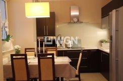 widok na nowoczesną, komfortową kuchnię w apartamencie do sprzedaży w Olsztynie