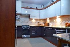 nowoczesna kuchnia w ekskluzywnym apartamencie na sprzedaż w Kwidzynie