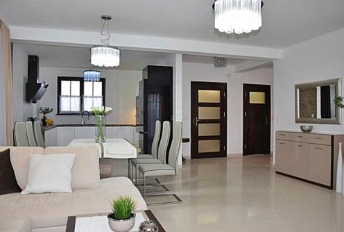 na zdjęciu komfortowe wnętrze w luksusowej willi na wynajem w Słupsku