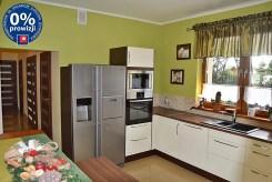 komfortowo wykończona kuchnia w ekskluzywnej willi w okolicy Bolesławca na sprzedaż