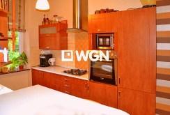 komfortowo wyposażona kuchnia w apartamencie w Legnicy na sprzedaż
