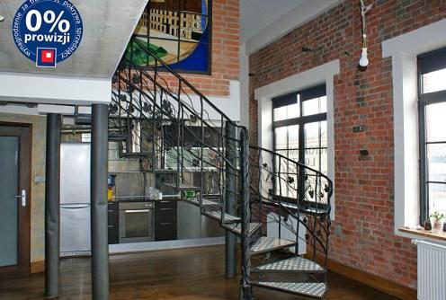 na zdjęciu wnętrze luksusowego apartamentu do sprzedaży w okolicach Warszawy