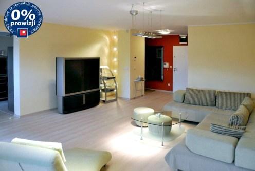 na zdjęciu ekskluzywny salon w luksusowym apartamencie na sprzedaż we Wrocławiu