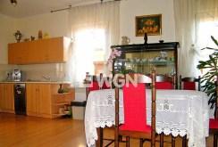 fragment kuchni i jadalni w luksusowej willi w Głogowie do sprzedaży