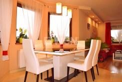 ekskluzywna jadalnia w luksusowej willi na sprzedaż w Legnicy