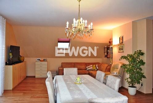 na zdjęciu ekskluzywny salon w luksusowej willi do sprzedaży w okolicach Wałbrzycha