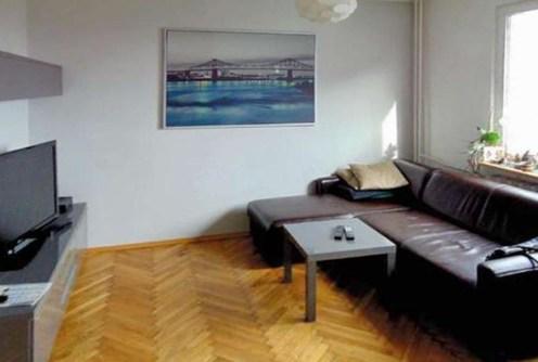 na zdjęciu luksusowy salon w ekskluzywnym apartamencie do wynajęcia w Katowicach