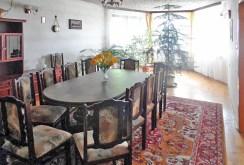 salon oraz jadalnia w ekskluzywnej willi na sprzedaż w okolicy Piotrkowa Trybunalskiego