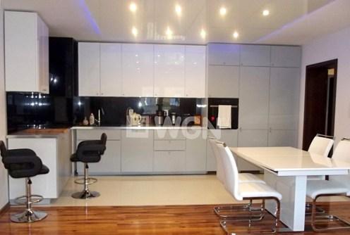 nowoczesna kuchnia w luksusowym apartamencie do sprzedaży w okolicach Katowic