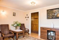 zdjęcie przedstawia salon w luksusowym apartamencie do sprzedaży we Wrocławiu