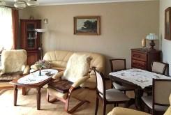 widok z innej perspektywy na luksusowy salon w ekskluzywnym apartamencie w Szczecinie na wynajem
