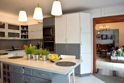 nowoczesna kuchnia w luksusowej willi w okolicy Legnicy na sprzedaż