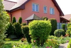 pięknie zagospodarowana działka za luksusową willą w okolicy Leszna na sprzedaż