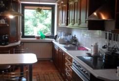 nowoczesna kuchnia w luksusowej willi do sprzedaży w okolicach Piotrkowa Trybunalskiego