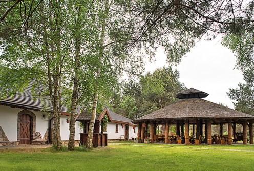 widok na luksusowy dwór do sprzedaży w Białymstoku