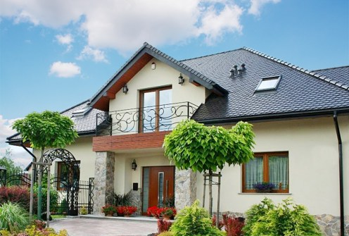 front luksusowej willi do sprzedaży w okolicy Bolesławca