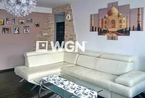 stylowy salon w luksusowym apartamencie do sprzedaży w okolicy Katowic