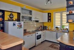 komfortowa kuchnia w luksusowej willi do sprzedaży w okolicach Białegostoku