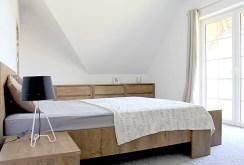elegancka, intymna sypialnia w ekskluzywnej willi w okolicach Gdańska na sprzedaż