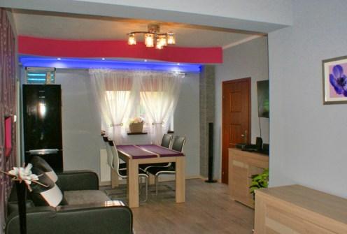 nowoczesne wnętrze salonu w luksusowej willi do sprzedaży w okolicach Legnicy