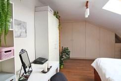 na zdjęciu jedno z ekskluzywnych pokoi w luksusowym apartamencie w Krakowie na sprzedaż
