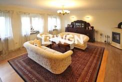 salon w stylu klasycznym znajdujący się w luksusowym apartamencie do wynajmu w okolicach Szczecina