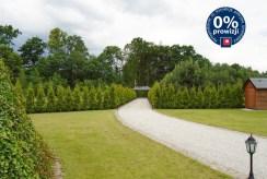 przepięknie zadbana i zagospodarowana działka wokół luksusowej willi w okolicach Legnicy na sprzedaż