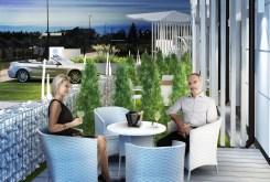 widok n taras przy luksusowym apartamencie nad morzem na sprzedaż