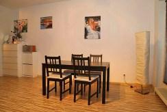 widok na jadalnię w luksusowym apartamencie do sprzedazy w Katowicach