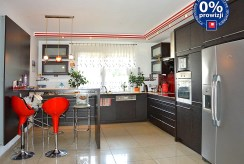nowoczesna kuchnia w luksusowej willi w okolicach Żagania na sprzedaż